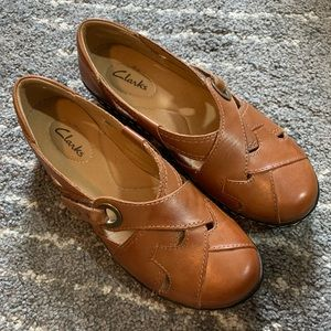 Clarks brown leather shoes size 7